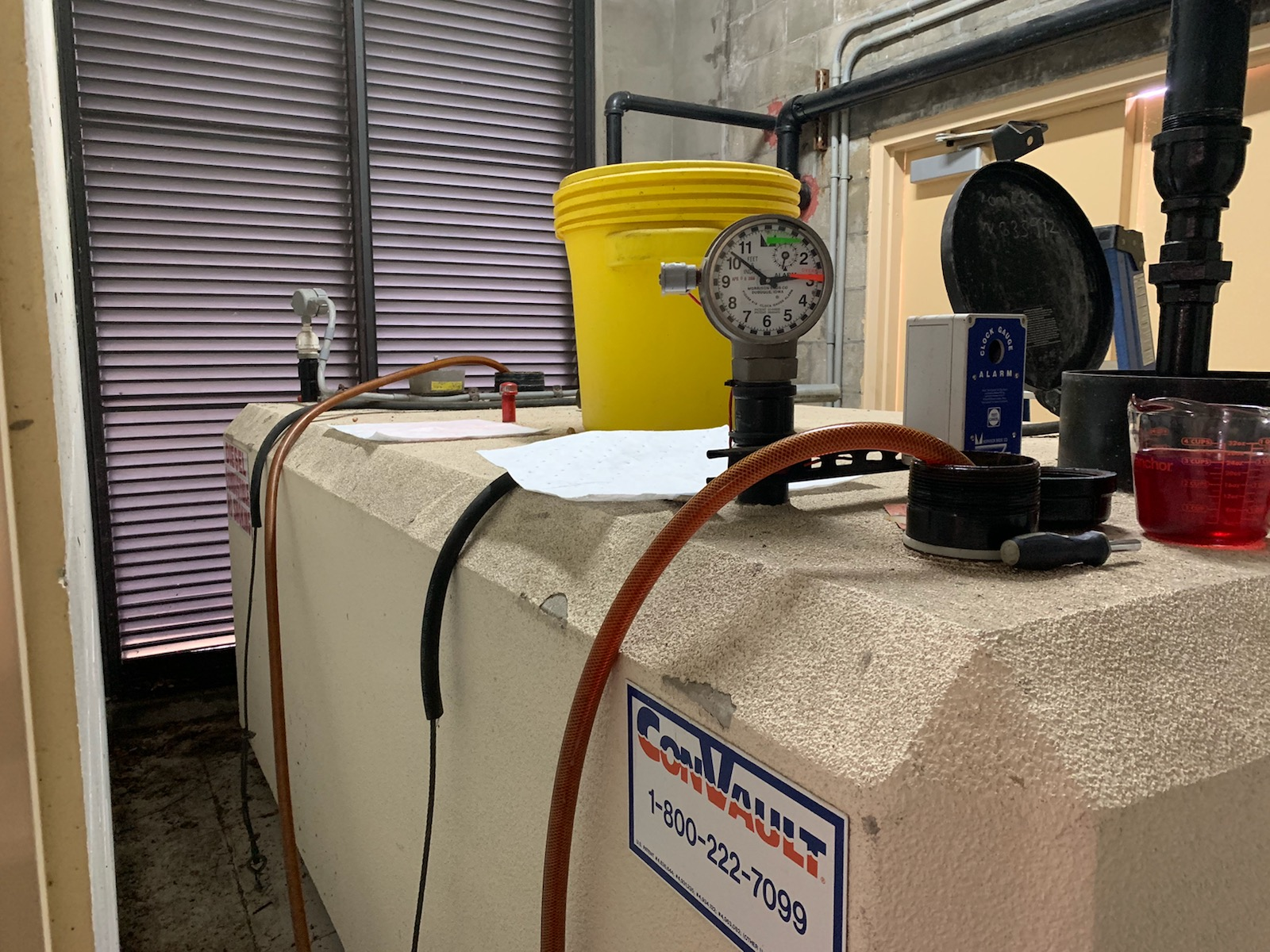 cleaning fuel in storage tanks